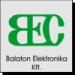 Balaton Elektronika Kft. logoja, melyben galamszürke háttérrel zöld B, E és a C betűk szerepelnek.